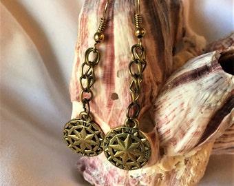 RICHARME Single Compass Star Chain Dangle Earrings
