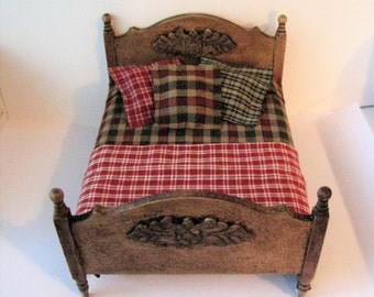 Doll house Bed ,Double bed, ,  country style bed, homespun spread, country look, , , dollhouse miniature, twelfth scale,