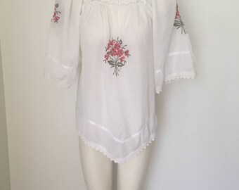 Vintage embroidered hippie boho peasant top