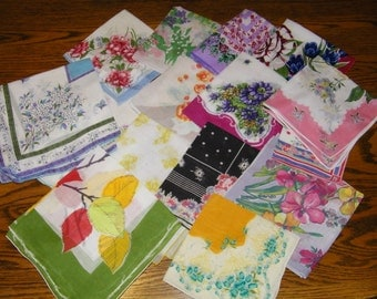Vintage Lot of 20 CRAFT CUTTER  Printed Floral Handkerchiefs, 9780
