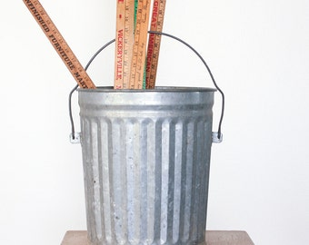 Vintage Galvanized Trash Can / Industrial Decor / Garbage Pail / Recycling Bin