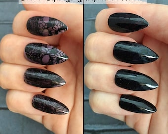 Undercover Skull Color Changing Stiletto Nails | Gothic Press On Nails |  Thermal Stiletto Fake Nails | Acrylic Nail | Gothic Nail Art