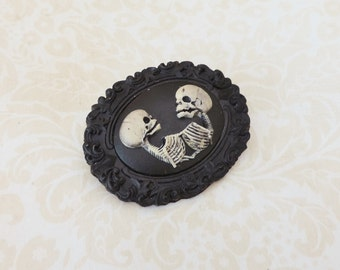 Conjoined twins cameo brooch black -skull cameo brooch-Skeleton brooch-Gothic steampunk jewelry - Gothic victorian- Freaks