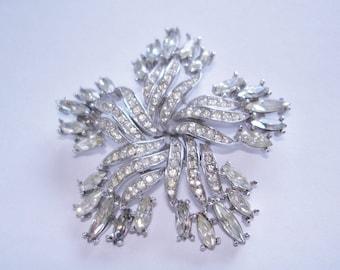 Crown Trifari Clear Rhinestone Star  Brooch Silver Tone