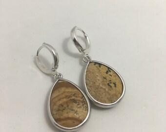 Wood teardrop stone earrings, matte Rodhium. Classic jewelry. Neutral jewelry. Office jewelry. Trendy earrings. Minimalist. Blogger fashion.