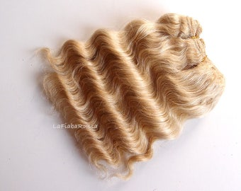 Wefted mohair wavy hair golden blonde waldorf, Blythe , Blythe Doll wig, tress, fabric dolls, curly mohair goat