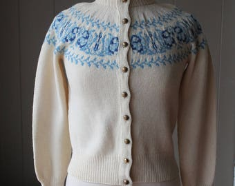 Vintage 50s Danish Wool Cardigan Sweater Cream with blue fair isle pattern Scandinavian sweater
