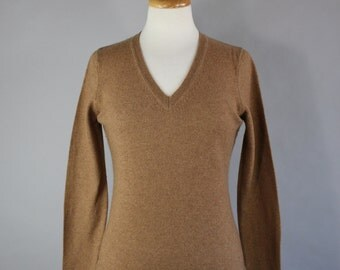 Vintage 90s does 50s Women's V Neck Golden Brown Fall Winter Wear to Work Cashmere Sweater