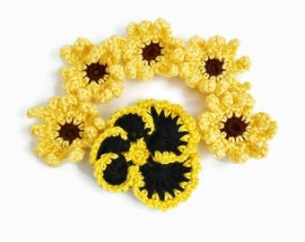 Crochet Flower Appliques Yellow Daisies Pansy Handmade , Large Sew On Flowers Craft Projects DIY Sewing