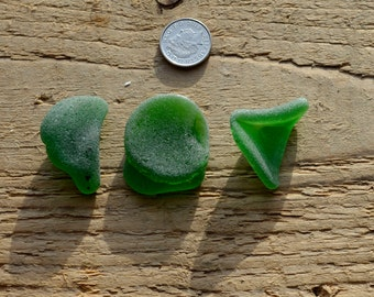 BRIGHT GREEN Sea Glass Shard - Scottish Sea Glass Supplies (6044)