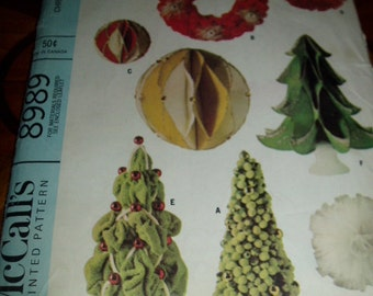 60s Retro Mid Century Christmas Decorations Sewing Pattern McCalls 8989