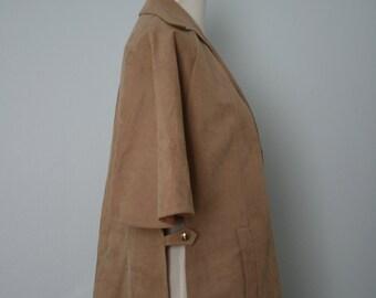 Vintage Jacket / 70's Cape / 1970's Blazer / Medium Large / Ultra Suede / Vegan Suede / Khaki, tan, beige, sand / Women's fashion / Retro