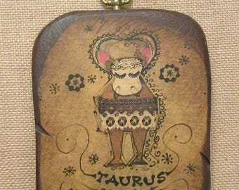 Vintage Taurus Sun Sign Plaque - Kitschy 70s Astrology Symbol - April May Zodiac Birthday Present - Mid Century Wood Astrological Wall Art