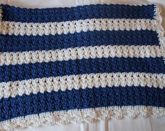 Crochet Baby blanket - Blue and white