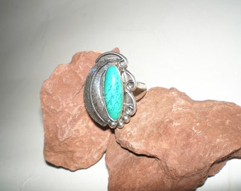 Turquoise Ring Feather Detail- Hand Made Size 9-1/2 Stone Ring- Vintage 70s Native American Silver Jewelry