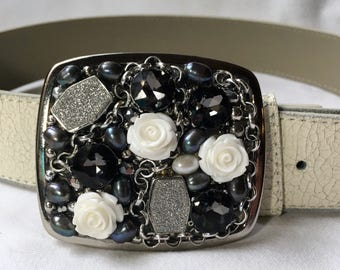 Romantic Rose Black, White and Grey Belt Buckle