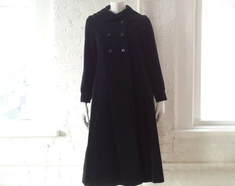 Black Velvet Coat 1960s Vintage Mod Peter Pan Collar Medium Double Breasted Goth Witch Cotton Velveteen 60s Boho Glam Rock Opera Coat 1950s