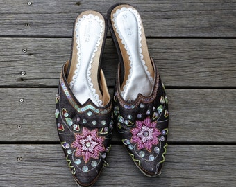 Vintage beaded and sequinned multicolor brown silk embellished mules clogs slippers retro kitten heel glam fantasy genie elf costume 18th C