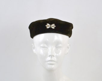 1960s Brown Velvet Pillbox Hat with Clear Rhinestone Bow Brooch
