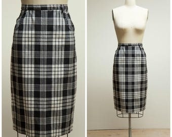 Vintage 50s Skirt • Sweet Countryside • Black White Plaid Cotton 50s Skirt Size Small
