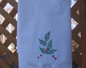 Christmas Holly Guest Towel, Battenburg Lace Towel, Bath Towel, Christmas Lace Towel, Holiday Decor, Guest Linen, Green Holly MyVintageTable