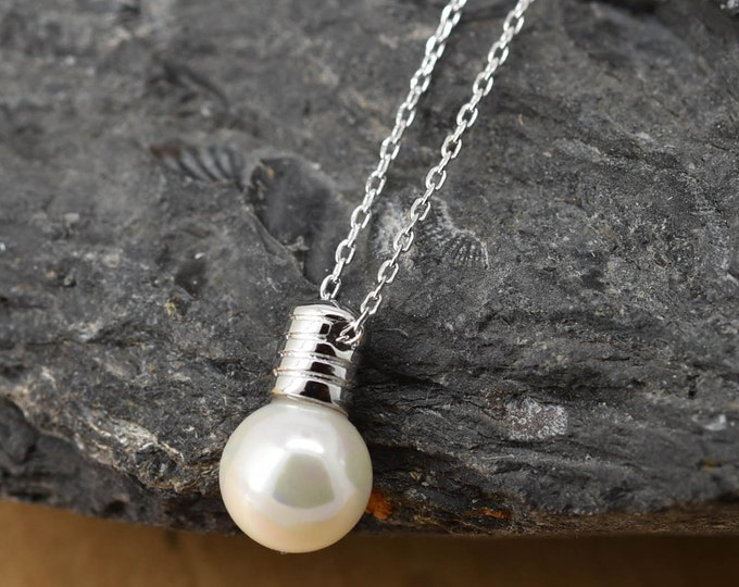 Light bulb Necklace, Light bulb Pendant Jewelry, 925 Sterling Silver, Crystal Necklace Pendant, Bridesmaid Gift, Bridesmaid Necklace