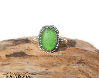 Hawaiian Emerald Green Beach Glass Set in Sterling Silver Handcrafted Ring - Size 8