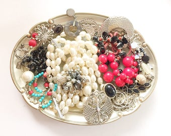 GORGEOUS vintage DeStash Lot! Awesome Price!! Costume jewelry lot, salvage, supply lot, bead lot, up cycle, repair, repurpose LOT A21