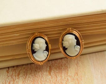 Vintage 1950's Petite Cameo Earrings | Black and White Lady Cameo