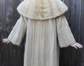 Luxurious 1950s 1960s Champagne Blonde Mink Fur Coat with Enormous Shawl Collar SIZE SMALL