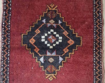 Vintage Oushak Pillow Cover / 2 by 2 / Red-Black / Boho Rug / Rustic / Konya / Medallion Rug - 28 in x 21 in
