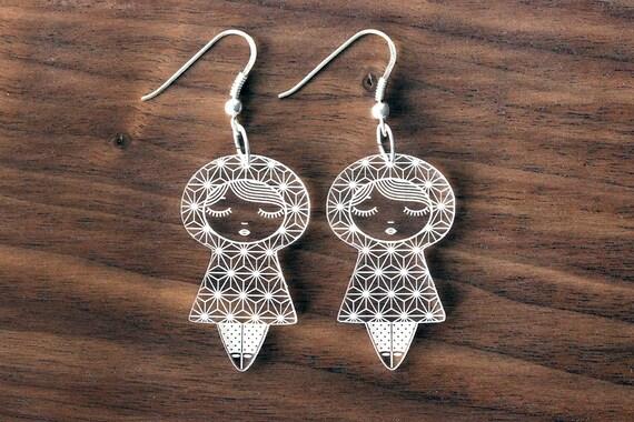 Asanoha doll earrings - cute matriochka jewelry - kawai kokeshi jewellery - graphic - sterling silver findings - lasercut clear acrylic