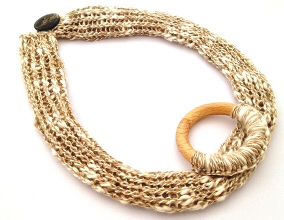 Knitted linen necklace