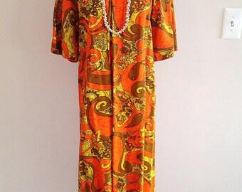 SALE!! Vintage 1960s Crazy Swirl Pattern Hawaiian Maxi Dress with Pockets Mid Century Fashion