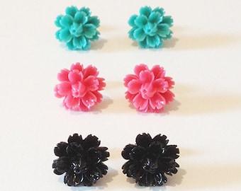 Vintage Retro Pin-Up Flower 14mm Stud Post Earrings  (Black + Pink + Teal)