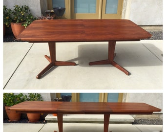 REDUCED! Vintage Brown Saltman Walnut Dining Table with 2 Extension Leaves