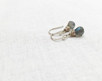 White Gold Labradorite Drops - 14k White Gold Fill Wire Wrapped Blue Flash Labradorite Briolette Earrings Simple Small Blue Gray Gemstone