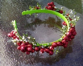 Glittery Holly Crown, Holly Berry Crown, Evergreen Holiday Headband with Red Berries, Christmas Headband, Yule Headpiece, Holiday Gift D10