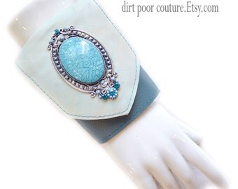 Leather | Womens Wallet | Wrist | Cuff | Wallet | Wrist Wallet | Wallet Cuff | Turquoise | Cameo