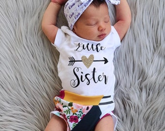 Little Sister Bodysuit, New Baby shirt, Little Sister, Baby Announcement, Baby Shower Gift, Baby Announcement shirt, Coming Home Outfit