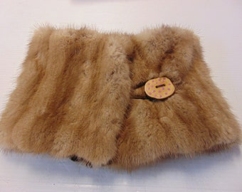 (Recycled) mink fur collar