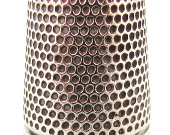 FREE POST - Antique Collectible Sterling Silver Thimble, Traditional Thimble, Sewing Accessory, No Holes, Size 10 Thimble, Home Decor, Edwar