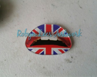 Great British Flag Pattern Lips Mouth Brooch Pin with Silver Back. England, British, Teeth, Fashion, Trendy, UK, United Kingdom