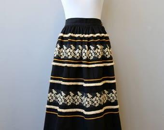 1949 Rare Dirndl Vintage Embroidered Peasant Black Lonella Ballerino California Novelty Skirt