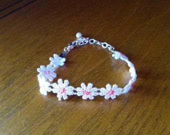 Daisy Lace Bracelet