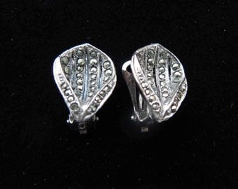 Vintage Oyster Shell Clip On Earrings With Marcasite Designer Quality, 1950's Jewellery/Jewelry
