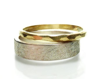 Gold ring from 750 yellow gold with handmade facets, sparkling ladies ring with facetted surface - handmade by SILVERLOUNGE