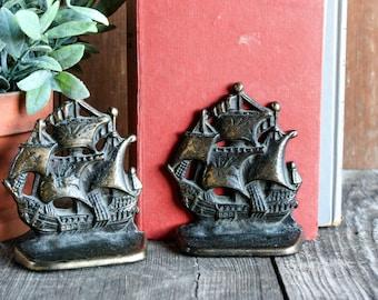 Vintage Ship Bookends, Ship Decor, Metal Bookends,  Bookends Vintage, Nautical Decor, Ocean Decor, Rustic Bookshelf Decor, Brass Book Ends