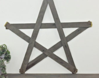 Rustic Wood Star - Porch Decoration - Reclaimed Barn wood - Upcycled Wood -  Primitive Pallet - Large Wall - Door Hanger - Wedding Decor
