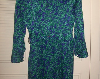 Dress 12 - 14, Vintage Papell Silky Maxi  Shirtdress, Epolets, Belted, GORGEOUS ! Size 12- 14 see details